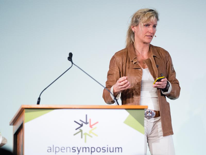 Evelyne Binsack Redner-Agentur Meet Live