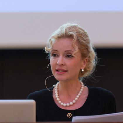 Sandra Navidi Meet Live Referenten-Agentur