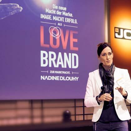 Rednerin Nadine Dlouhy Expertin Markenbildung Meet Live