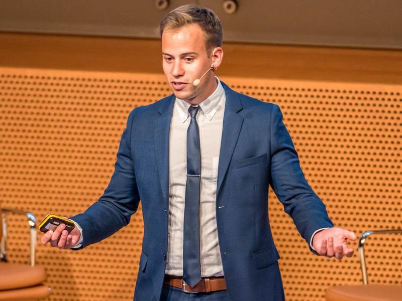 Christoph Burkhardt Zukunftsforscher Meet Live Referenten-Agentur